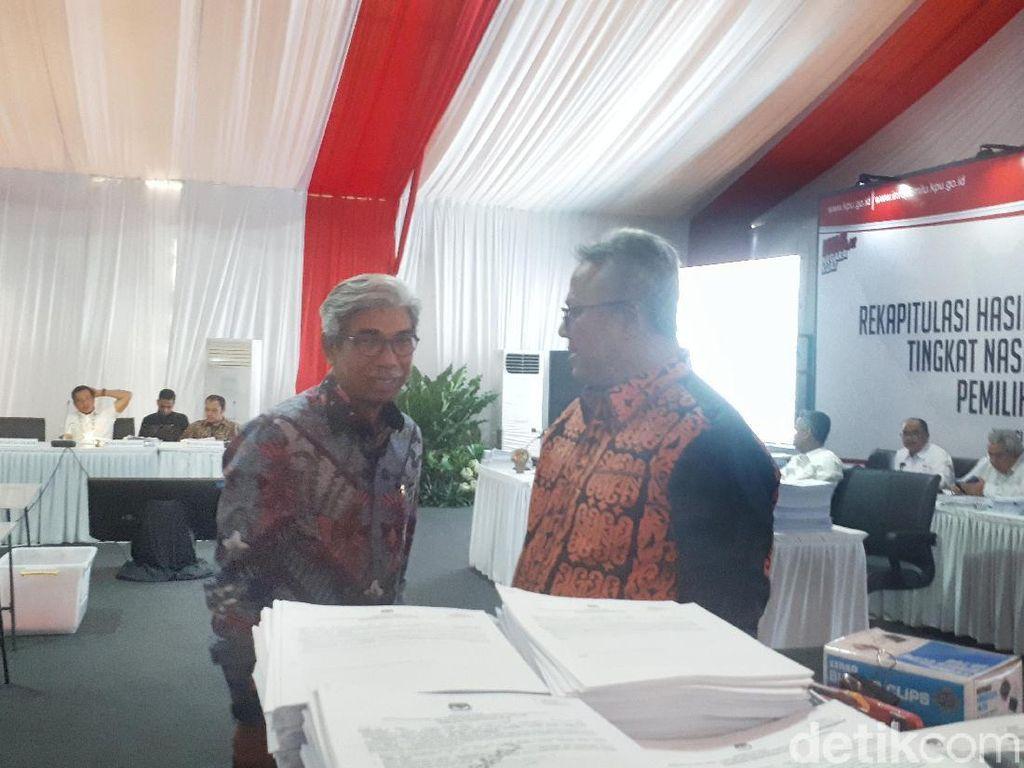 Datangi KPU, Wamenlu Tinjau Rekapitulasi Suara Luar Negeri