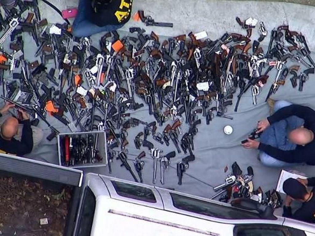 1.000-an Senjata Api Disita dari Rumah di Kawasan Elite Los Angeles