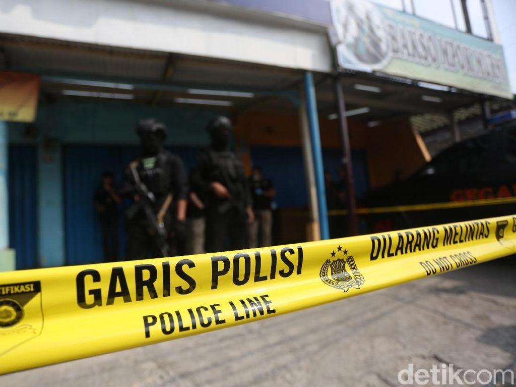 Sebelum Abu Rara Tusuk Wiranto, Teroris Bapak-Anak Ditangkap di Bali
