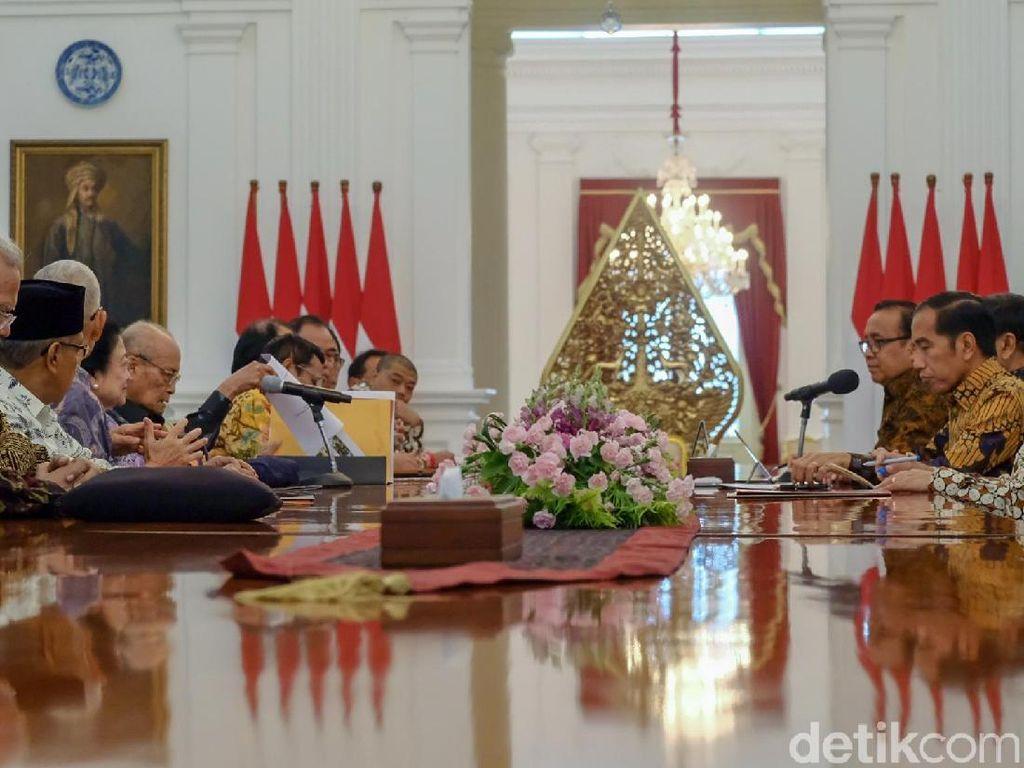 Jokowi Terima Dewan Pengarah BPIP di Istana, Mega dan Mahfud Md Hadir
