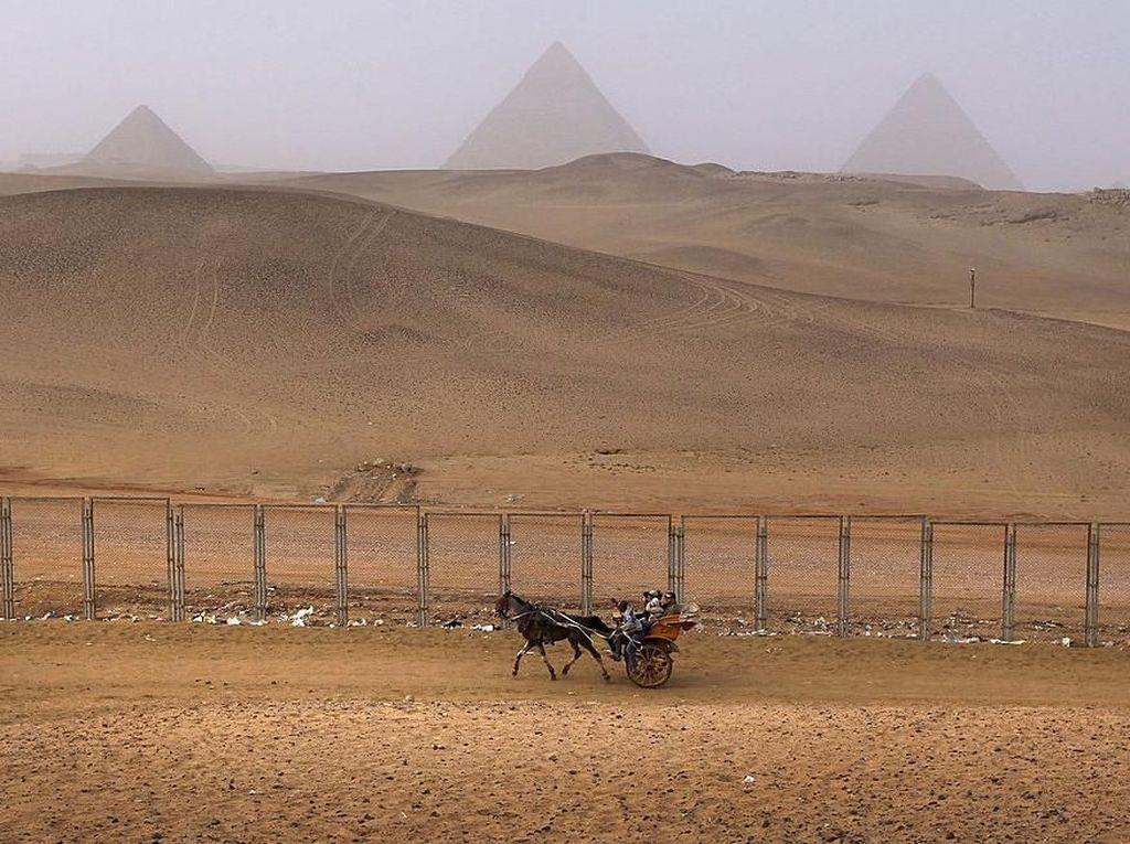 Piramida Mesir Tak Pernah Sesepi Ini