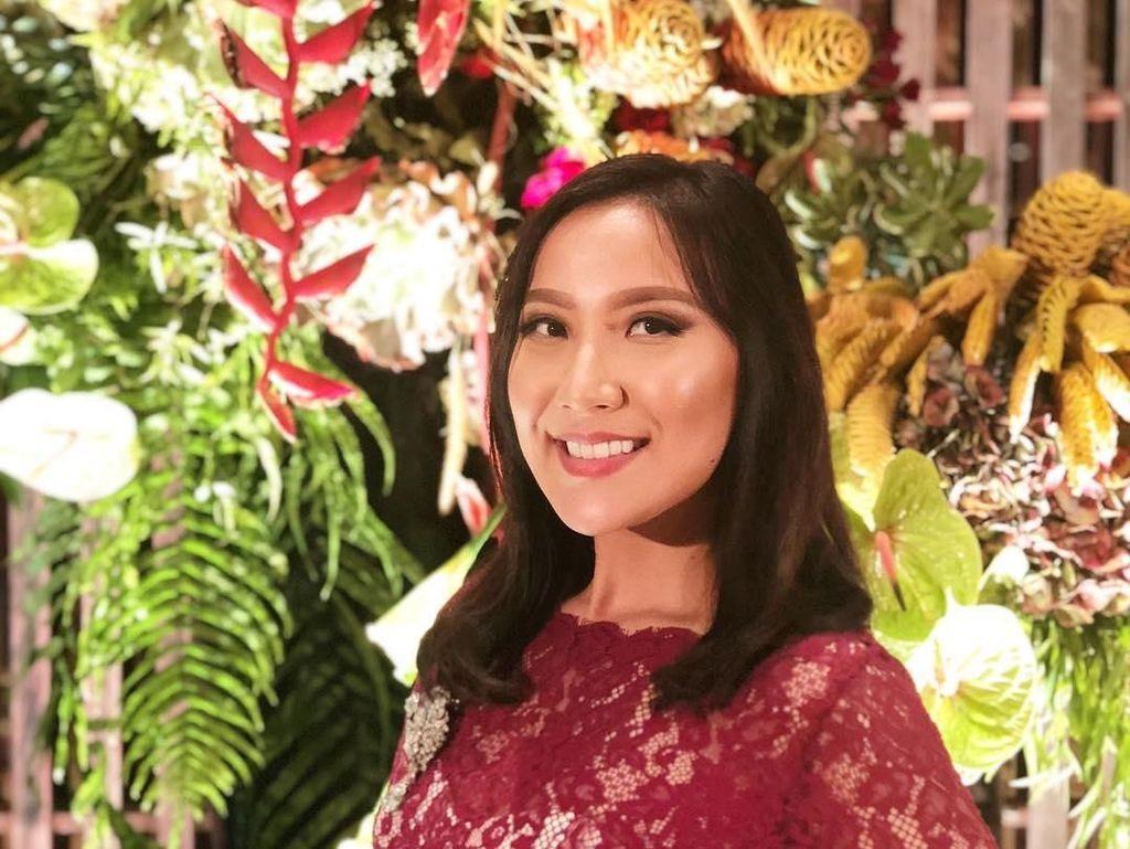 Dokter Cantik Grace Hananta, Bantu Pasien Sehat Jiwa dan Raga