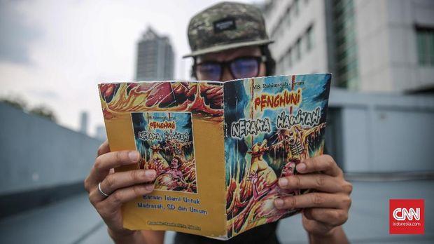 Psikolog menyarankan orang dewasa mesti memberikan pendampingan kala anak membaca komik siksa neraka.