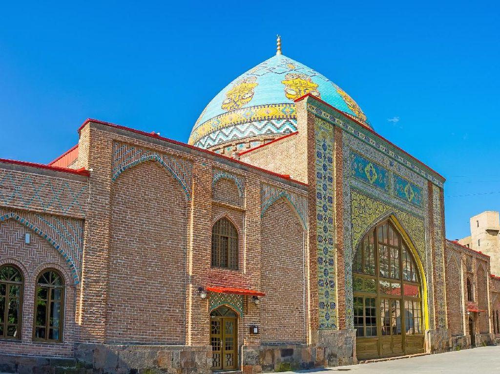 Dulu Ada 9, Sekarang Negara di Eropa Ini Cuma Punya 1 Masjid