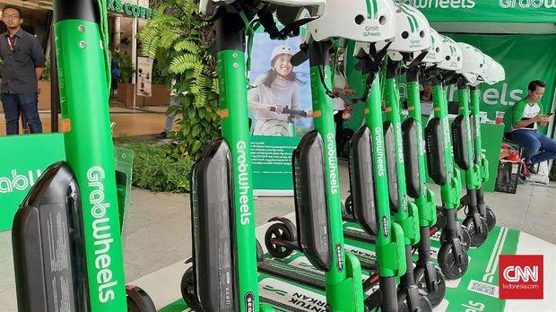 Di BSD City sudah terdapat lima tempat parkir GrabWheels dan ada sekitar 50 skuter elektrik yang telah siap beroperasi.
