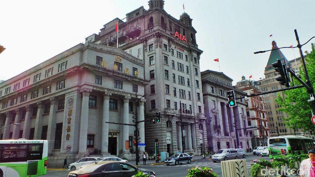 Bergaya Eropa, Begini Megahnya Gedung Pusat Keuangan di Shanghai