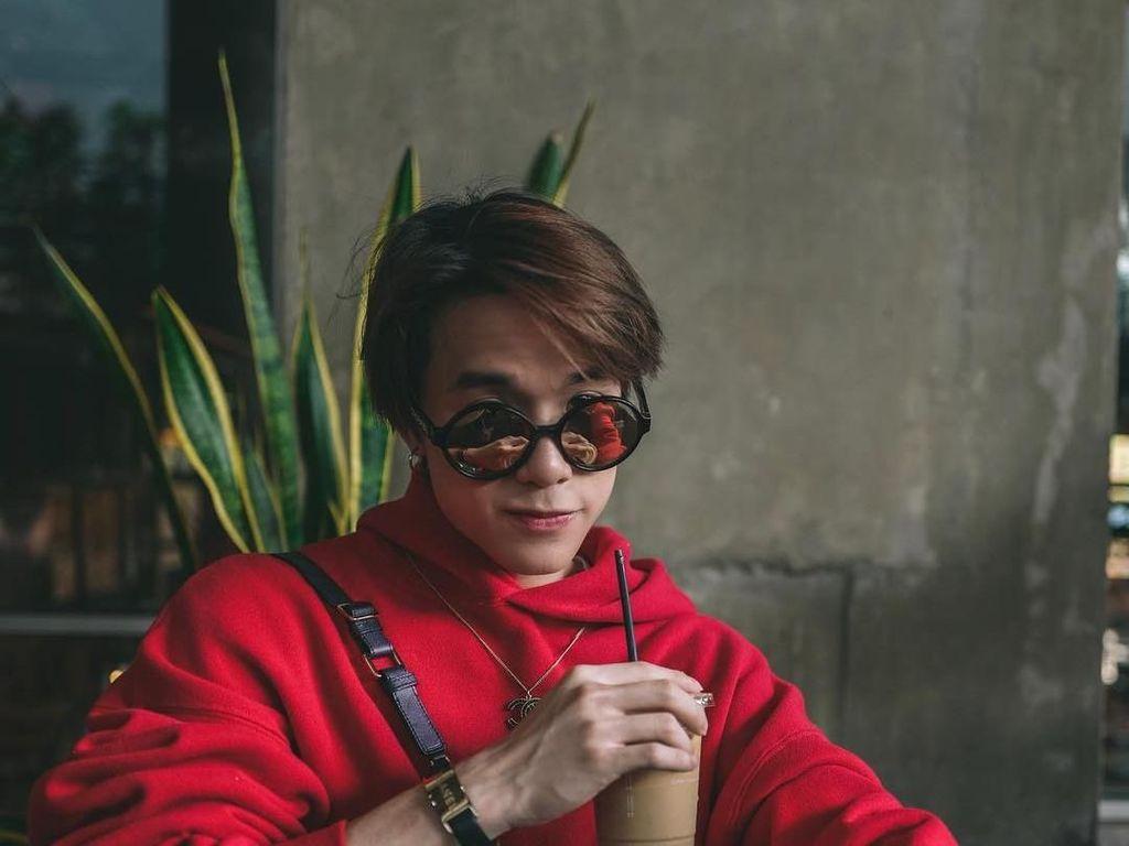 Suka Seafood Hingga Es Kopi Susu, Begini Tampilan Aktor Thailand, Jamy James