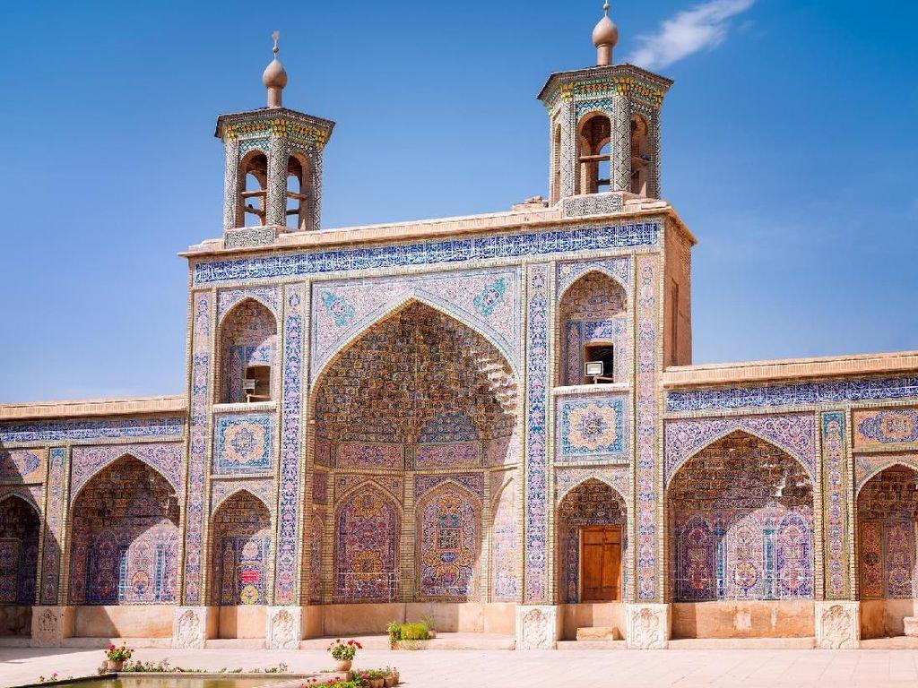Sambut Ramadhan dengan Mengagumi Masjid Terindah di Iran