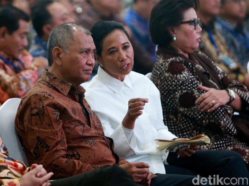 Menteri Rini Rombak Pejabat, PAN Soroti Kewibawaan Jokowi