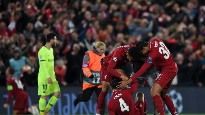 Virgil van Dijk menilai musim ini baru awal era emas Liverpool (Shaun Botterill/Getty Images)