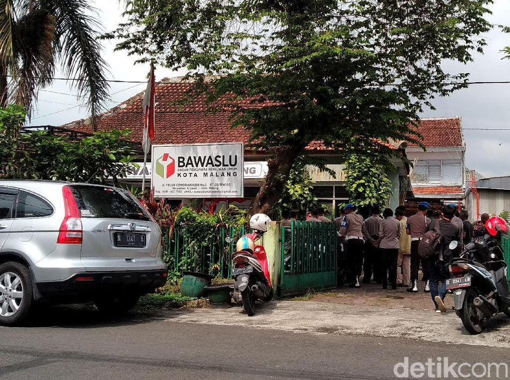 Antisipasi Aksi Massa, Polisi Jaga Kantor Bawaslu di Kota Malang