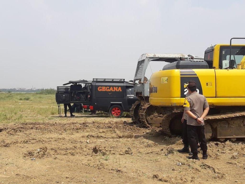 Duar! Tim Jibom Disposal Bahan Peledak dari Toko HP di Bekasi