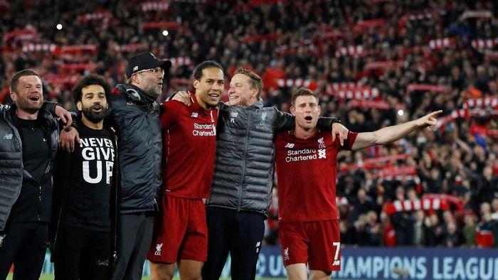 Virgil van Dijk merayakan kelolosan Liverpool ke final Liga Champions (Phil Noble/Reuters)