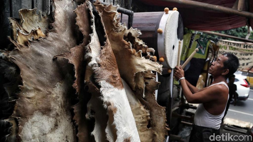 Yuk, Lihat Proses Pembuatan Bedug di Tanah Abang