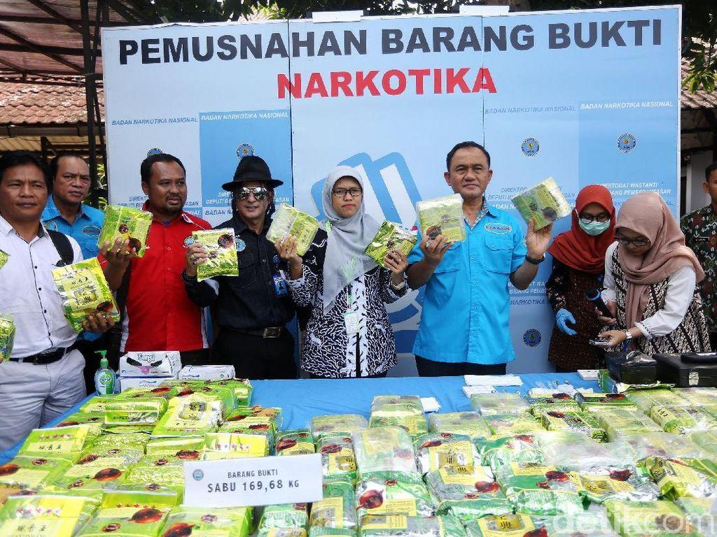 Potret BNN Musnahkan 169 Kg Sabu