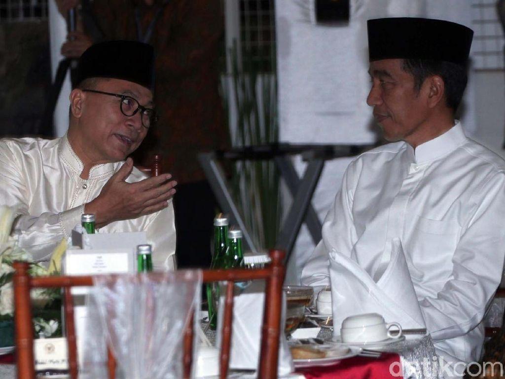 Momen Jokowi Buka Puasa Bersama Zulkifli Hasan