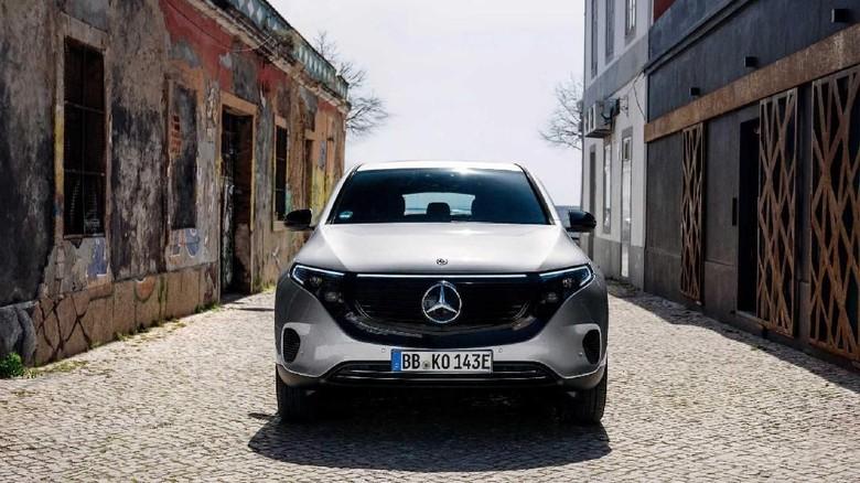 Mercedes-Benz Mulai Jual EQC 400 4Matic di Luar Jerman