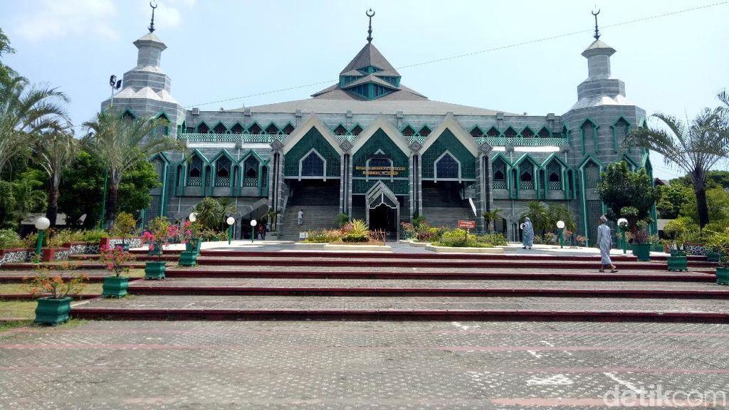 Al Markaz Al Islami, Masjid Terbesar di Timur Indonesia