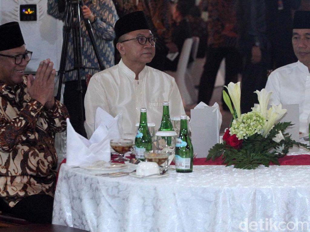 Video Bukber Bareng Jokowi, Zulhas Gaungkan Merajut Merah Putih