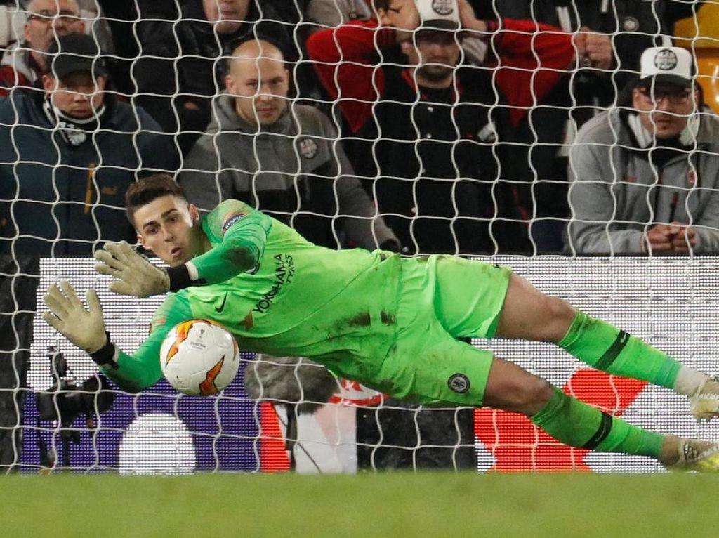Kepa: Pecundang di Final Piala Liga, Pahlawan di Semifinal Liga Europa
