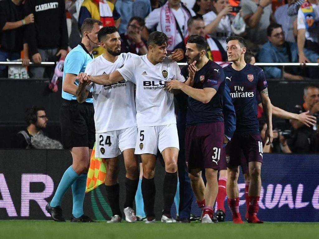 Serangan Gabriel ke Mantan Rekannya di Akhir Laga Valencia Vs Arsenal