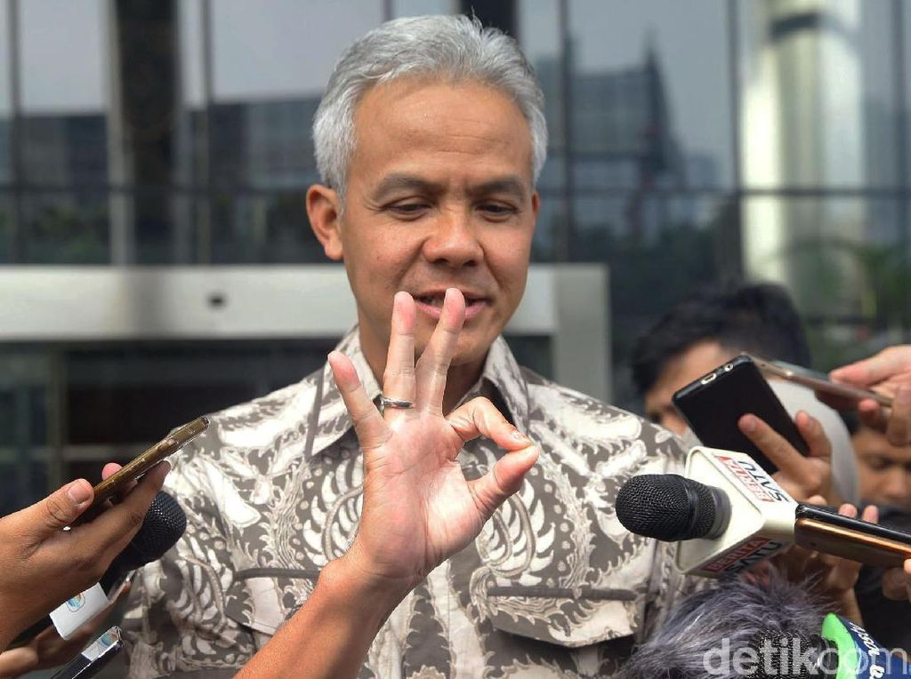Gubernur Ganjar: Kami Rindu Jokowi-Prabowo Salaman dan Rangkulan
