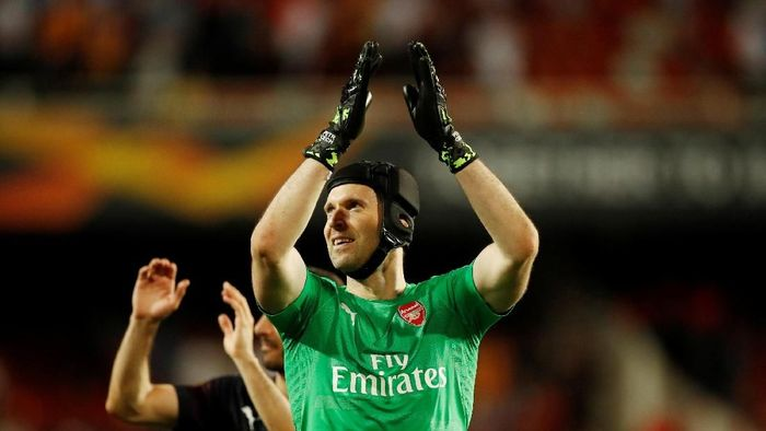 Petr Cech sukses membawa Arsenal bertemu Chelsea di final Liga Europa (Action Images via Reuters / Andrew Boyers)