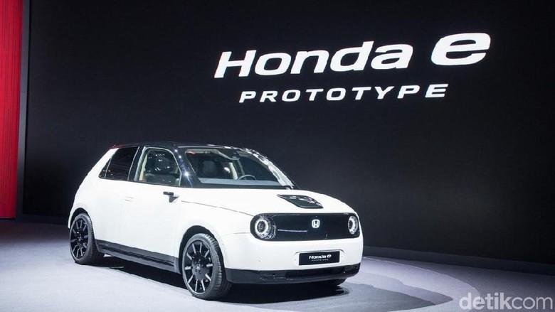 Mobil listrik kecil Honda e.