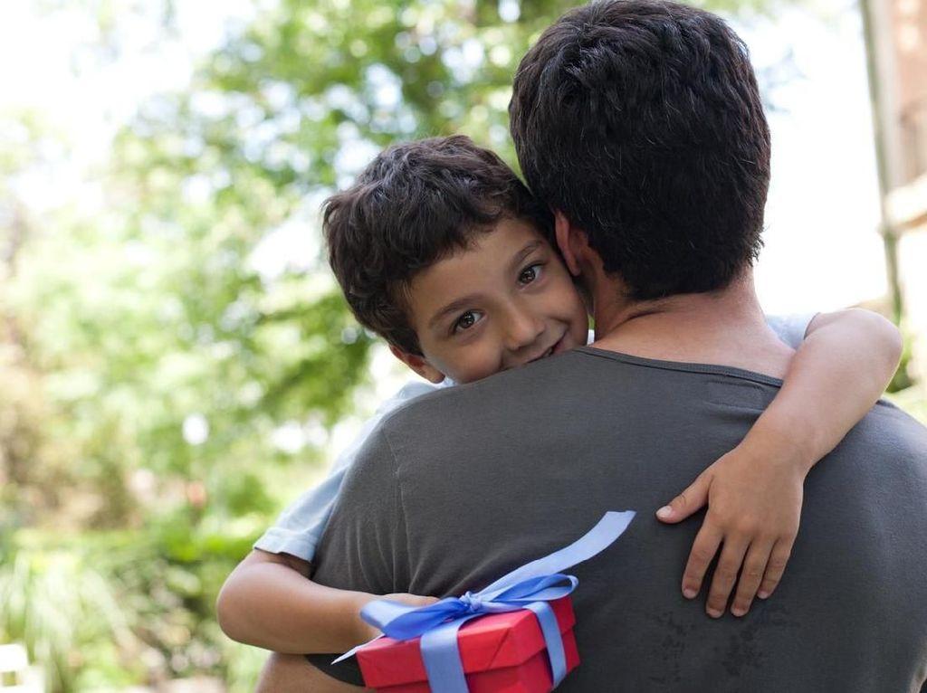Bangga! Ayah Buat Tato Mirip dengan Luka Operasi Jantung Anaknya