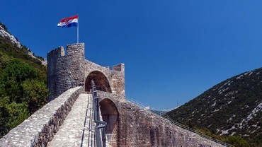 Bukan Tembok Besar China, Ini Tembok Besar Kroasia