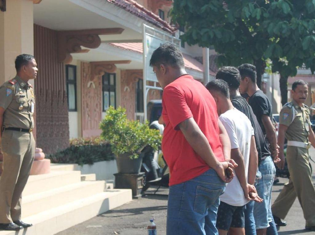 Pesta Miras Siang-siang Bolong Bulan Puasa, 8 Orang di Jepara Diciduk