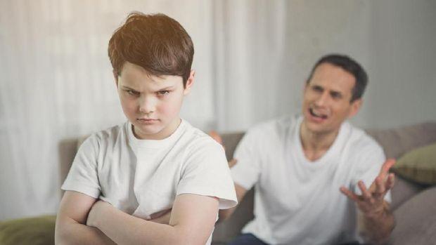 Ilustrasi anak tak mau mendengar orang tua/