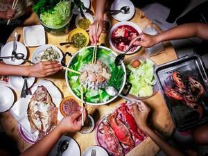 Lagi-lagi Sekeluarga Kena COVID-19 Setelah Makan Malam Bersama
