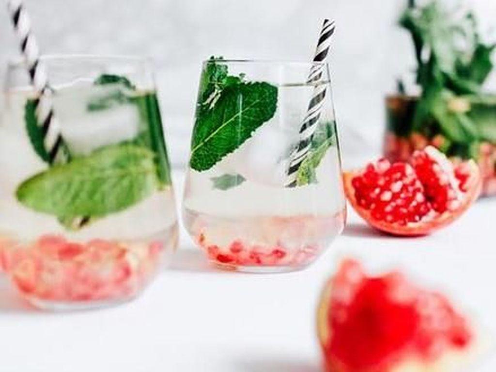 Menu Segar Buka Puasa, Ini 10 Ide Resep Infused Water yang Praktis