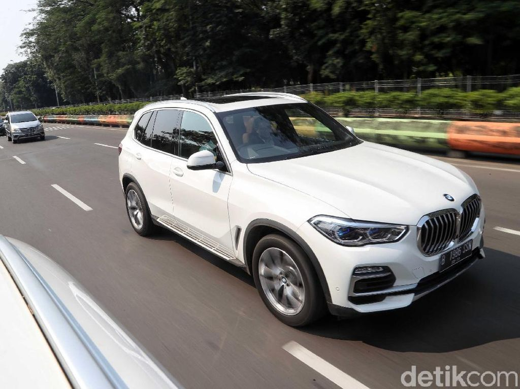 Mudik Tak Cuma Naik Avanza Cs, yang Bawa BMW Juga Ada!