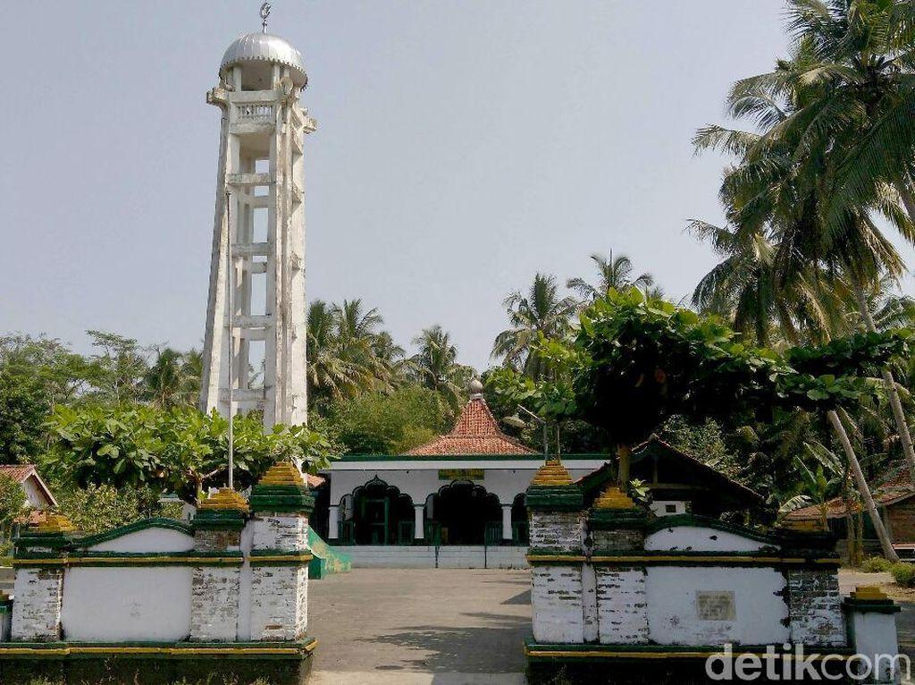 Mengunjungi Masjid Tiban Peninggalan Sunan Kalijaga di Purworejo