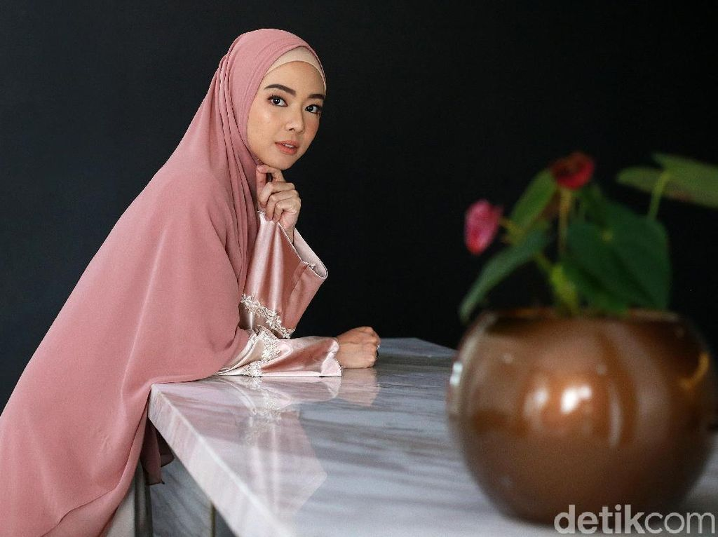 Kisah Lindswell Cari Tahu Tentang Islam dan Putuskan Jadi Mualaf