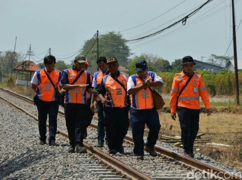 PT KAI Tambah 100 Penjaga Perlintasan Selama Arus Mudik