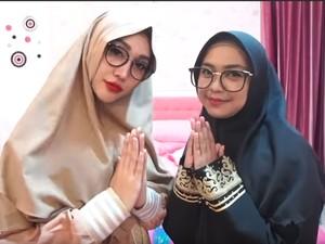 Edisi Ramadhan, Lucinta Luna Tutup Aurat Pakai Gamis dan Hijab