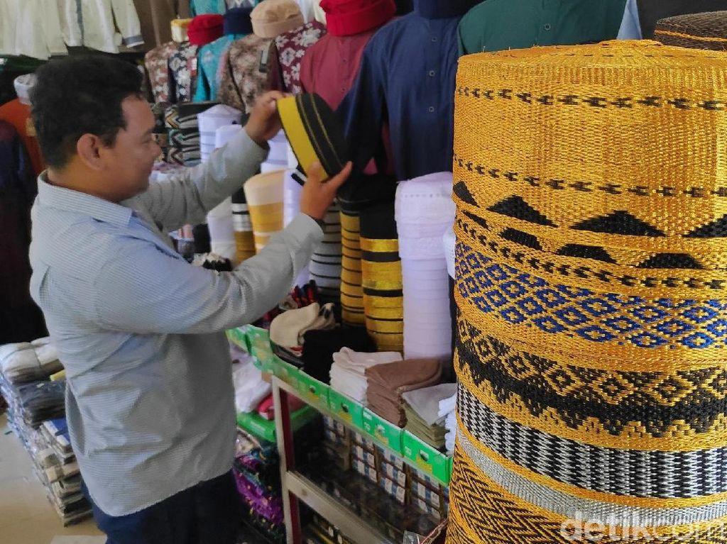 Pesona Songkok Recca Bugis yang Jadi Favorit saat Ramadhan
