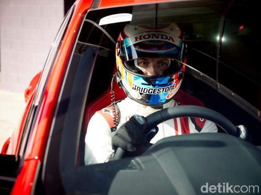 Jenson Button Cetak Rekor Kecepatan untuk Mobil FWD