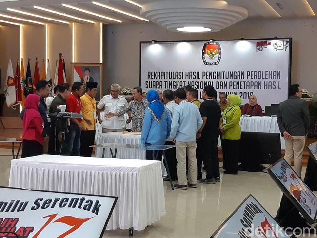 Berita BPN Tarik Saksi, KPU Tetap Lanjut Rekapitulasi Sabtu 24 Agustus 2019