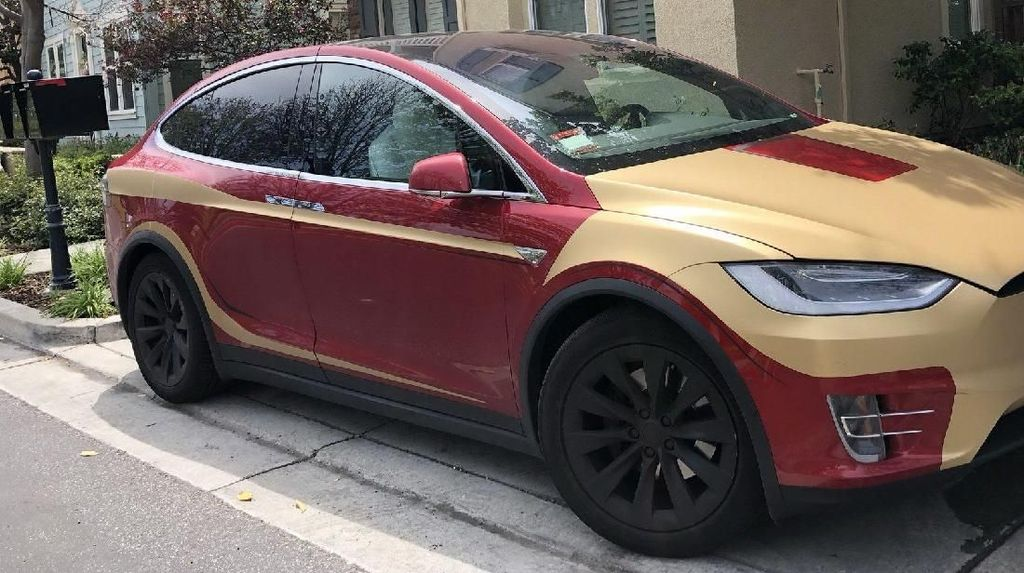 Mobil Listrik Tesla Iron Man