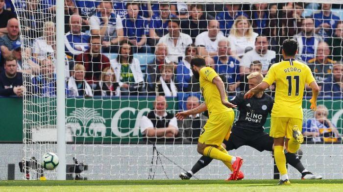 Chelsea diimbangi Leicester City di babak pertama (REUTERS/Eddie Keogh)