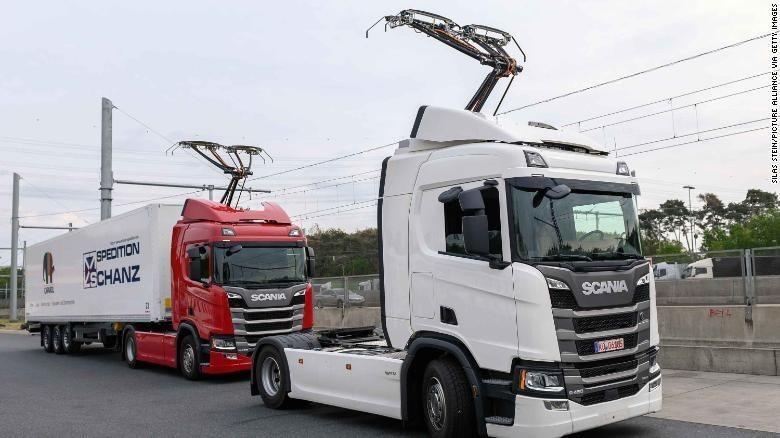 Mantap! Jerman Mulai Tes Jalanan yang Bisa Ngecas Truk Listrik
