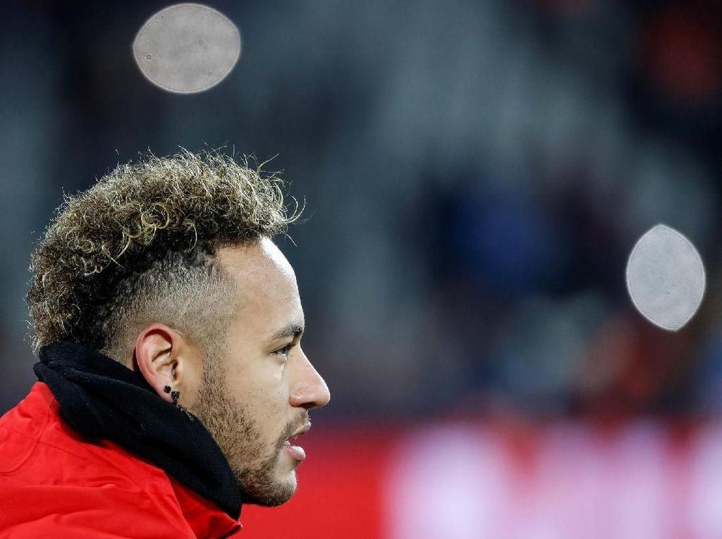 MU Tolak Tawaran PSG untuk Barter Neymar-Pogba