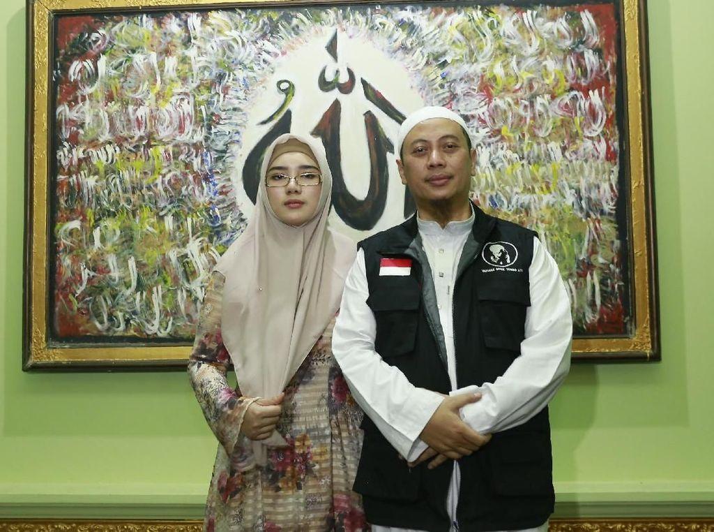 Opick Cium Air Zamzam Celupan Rambut Nabi Dua Tahun Lalu