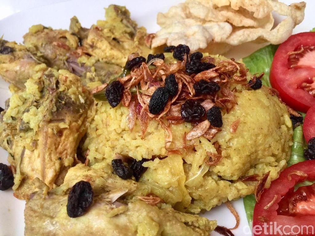 Menu Harian Ramadhan ke-5 : Berbuka dengan Nasi Kebuli yang Harum Pulen