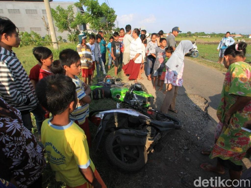 Dua Motor Bertabrakan Hindari Jalan Berlubang, Satu Tewas
