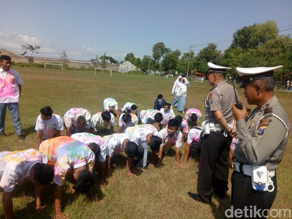 Konvoi Kelulusan, 30 Siswa SMA Dihadiahi Push Up oleh Polisi